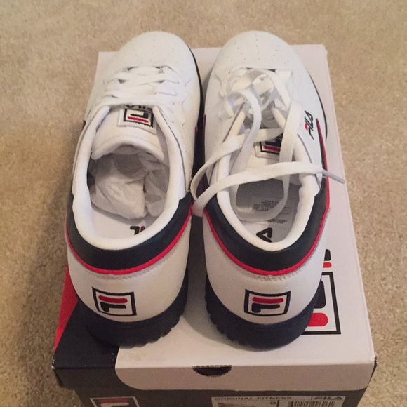 NWB! Mens Classic red,white and blue Fila sneakers